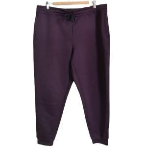 3/30$ 32 DEGRES Comfortable Burgundy Jogger Pants